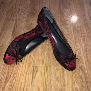 NWOT Talbot's red and black ballet flats - SZ 8